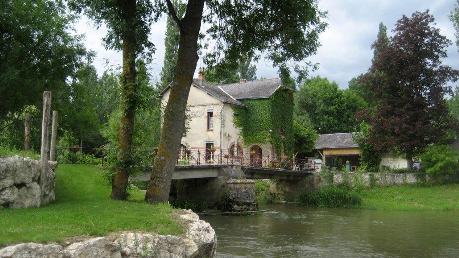 100615_maison_vue_de_la_descente_du_bassin